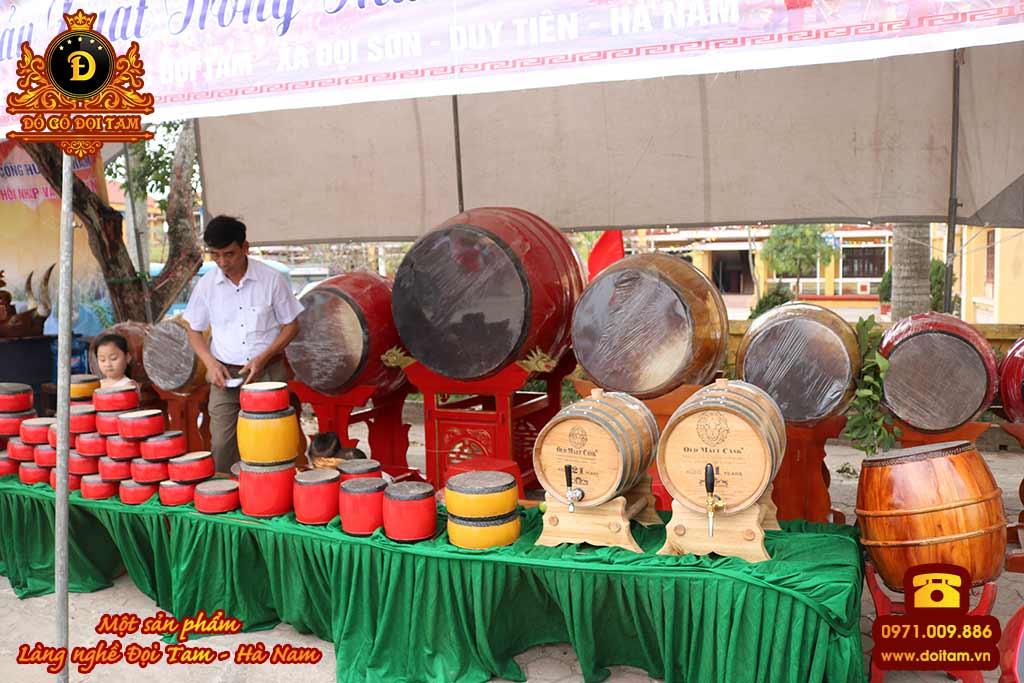 gian trưng bày trống đình chùa cùng các sản phẩm truyền thống