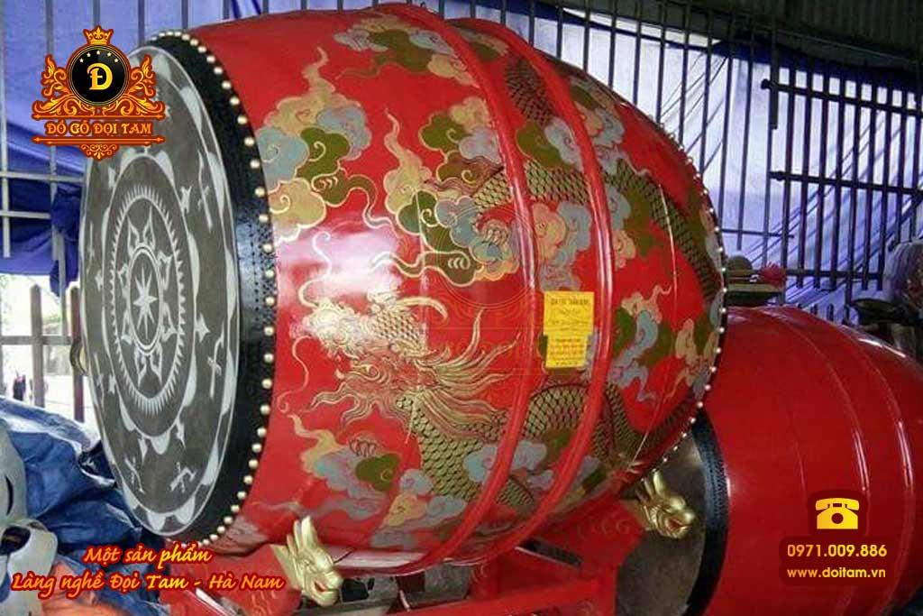 Trống gỗ là loại nhạc cụ truyền thống của Việt Nam và trên thân trống được vẽ nhiều loại hoa văn họa tiết khác nhau có thể quý khách quan tâm