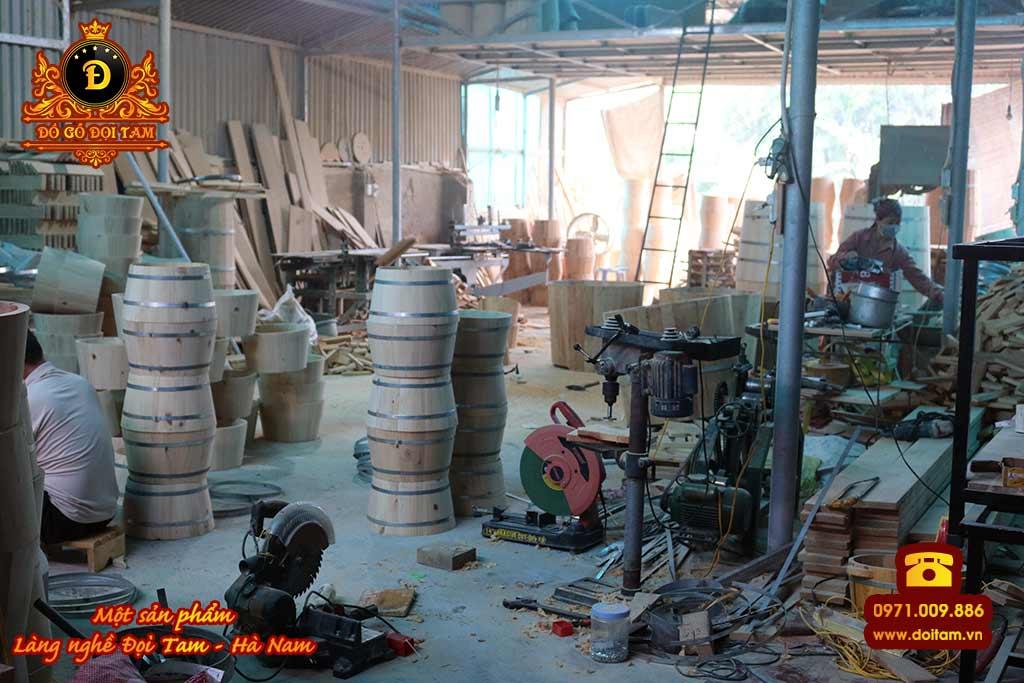 Xưởng sản xuất chậu gỗ tại làng nghề Đọi Tam - Đặt mua chậu gỗ ☎ 0971.009.886 #chaugo #chaugongamchan #mualan #doitam #duytien #hanam #vietnam #dogodoitam