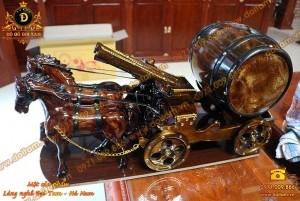 Bộ 2 ngựa kéo thùng rượu vang